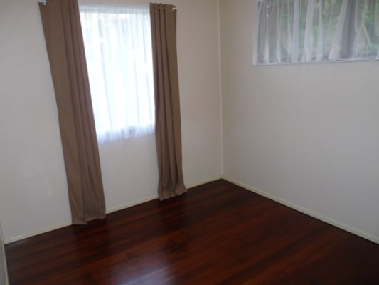 $310, Whole-property, 2 bathrooms, Bennetts Road, Norman Park QLD 4170
