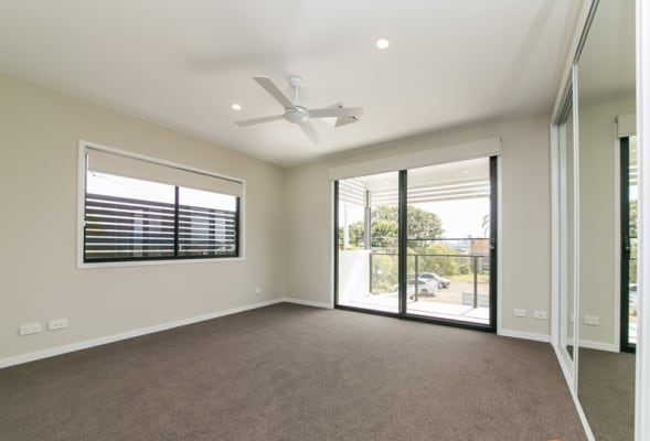 $290, Share-house, 3 bathrooms, Clive Street, Annerley QLD 4103