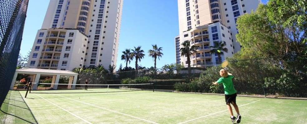 $335, Flatshare, 2 bathrooms, Pacific Street, Main Beach QLD 4217