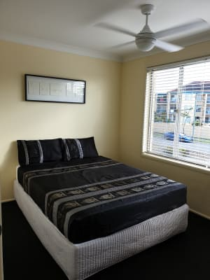 $210, Homestay, 2 bathrooms, Burra Street, Surfers Paradise QLD 4217
