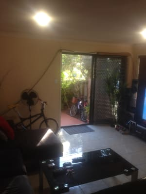 $170, Share-house, 3 bathrooms, Albion Avenue, Miami QLD 4220