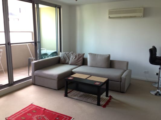 $330, Flatshare, 2 bathrooms, Queen Street, Glebe NSW 2037