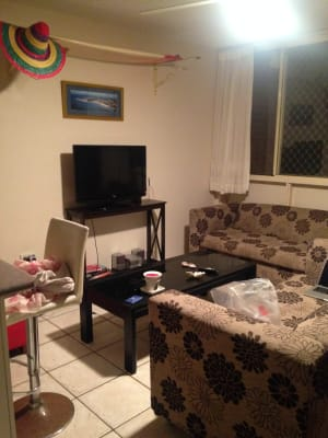 $195, Flatshare, 2 bathrooms, Marine Parade, Miami QLD 4220