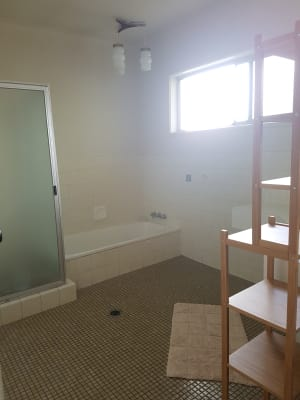 $200, Share-house, 3 bathrooms, Gibraltar Drive, Surfers Paradise QLD 4217