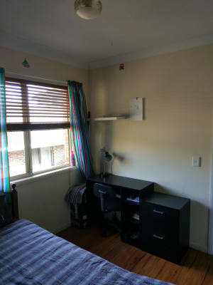 $130, Share-house, 3 bathrooms, Billington Street, Labrador QLD 4215