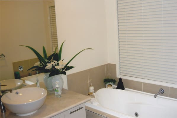 $165, Share-house, 4 bathrooms, Maloney Avenue, Craigieburn VIC 3064