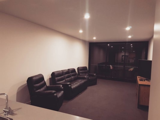 $300, Flatshare, 2 bathrooms, Shortland Esplanade, Newcastle NSW 2300