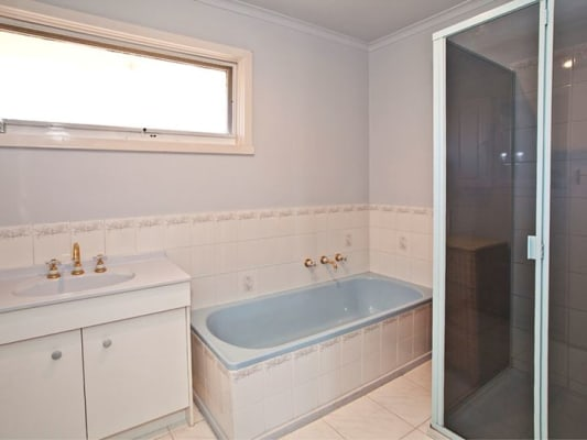 $160, Share-house, 3 bathrooms, Ferntree Gully Road, Wheelers Hill VIC 3150