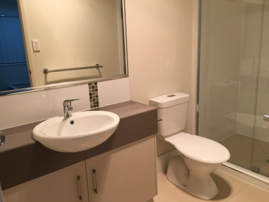$160, Share-house, 2 bathrooms, Bridge Street, Newtown QLD 4305