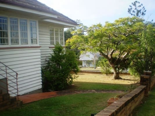 $164, Share-house, 3 bathrooms, Tenth Avenue, Saint Lucia QLD 4067