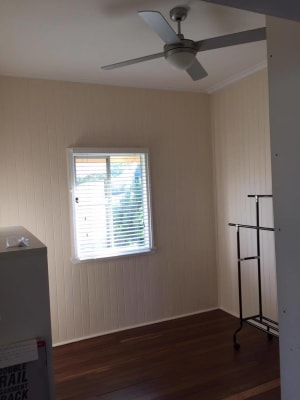 $150, Share-house, 3 bathrooms, Smith Street, Urangan QLD 4655