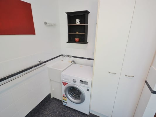 $435, Flatshare, 2 bathrooms, Rawlins Street , Kangaroo Point QLD 4169