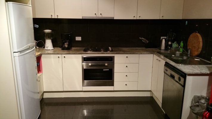 $275, Flatshare, 2 bathrooms, Russell Street, Melbourne VIC 3000