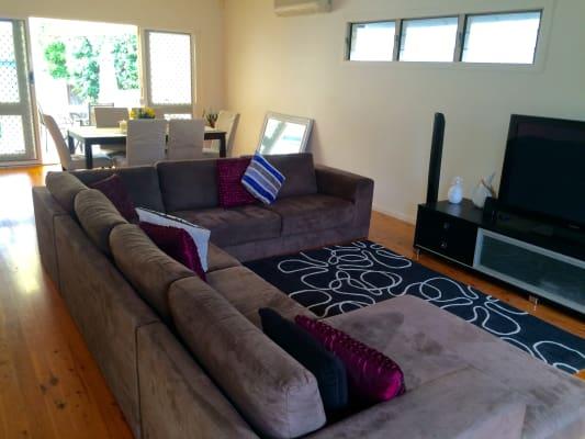 $205, Share-house, 3 bathrooms, Symonds Road, Burleigh Heads QLD 4220