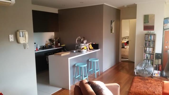 $245, Flatshare, 2 bathrooms, Albert Street, Brunswick VIC 3056