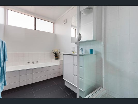 $210, Flatshare, 2 bathrooms, Abbotsford Street, North Melbourne VIC 3051