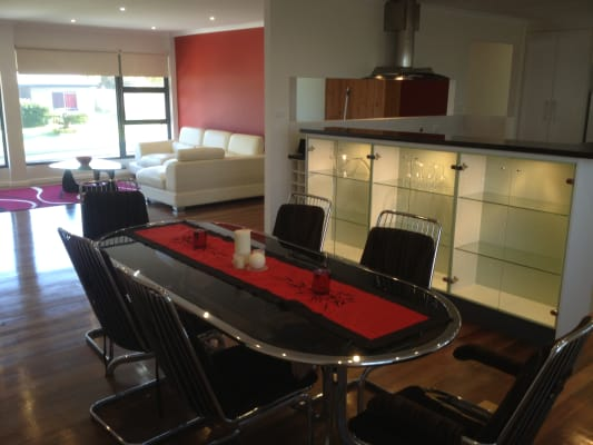 $210, Share-house, 5 bathrooms, Ocean View Avenue, Mooloolaba QLD 4557