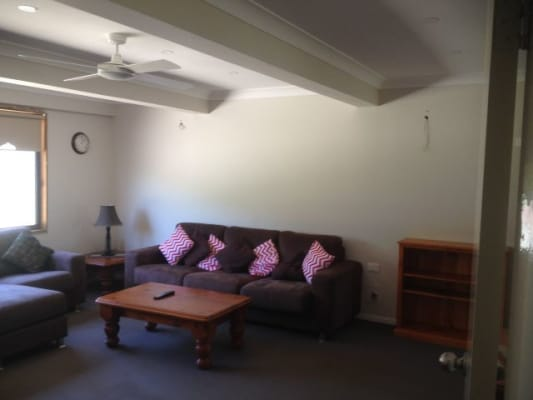 $330, Share-house, 3 bathrooms, Swadling Street, Toowoon Bay NSW 2261