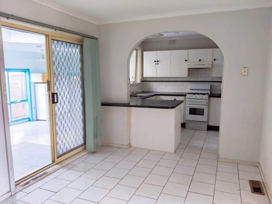 $110-125, Share-house, 7 rooms, Chaucer Crescent, Bundoora VIC 3083, Chaucer Crescent, Bundoora VIC 3083