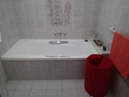 $280, Flatshare, 3 bathrooms, Canal Avenue, Runaway Bay QLD 4216