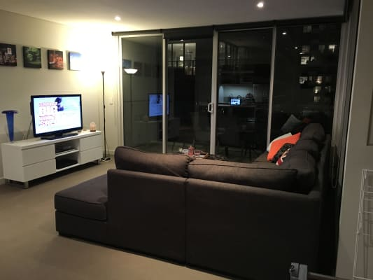 $325, Flatshare, 2 bathrooms, Chapel Mews, South Yarra VIC 3141