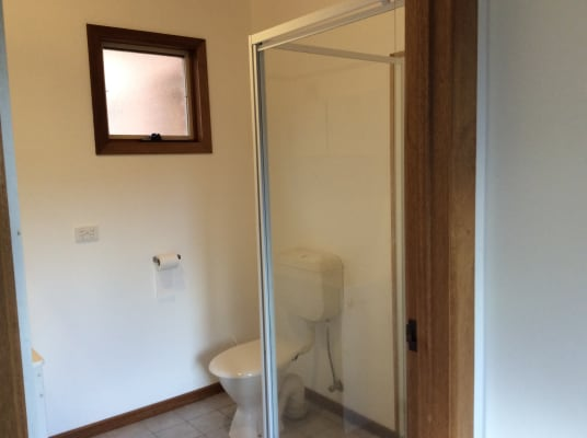 $250, Studio, 1 bathroom, Normandy Crescent, Ocean Grove VIC 3226