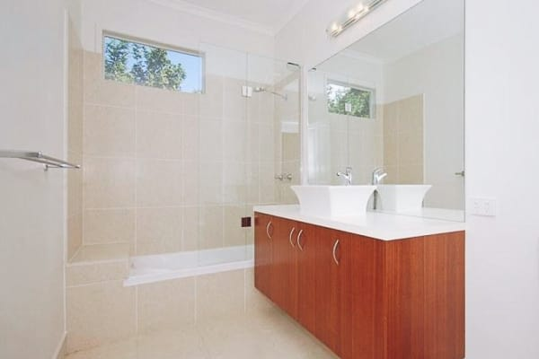 $240, Share-house, 3 bathrooms, Bathurst Street, Red Hill QLD 4059