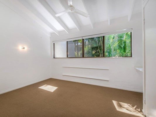 $250, Flatshare, 2 bathrooms, Ray Street, Sunshine Beach QLD 4567