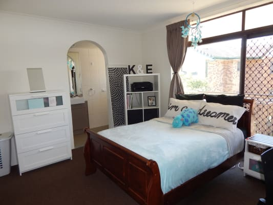 $280, Flatshare, 3 bathrooms, Herston Road, Kelvin Grove QLD 4059