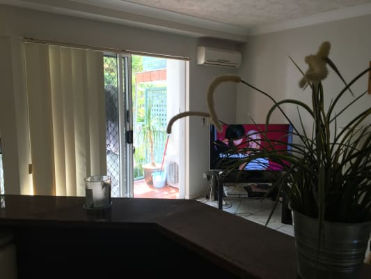 $205, Flatshare, 2 bathrooms, Redondo Avenue, Miami QLD 4220