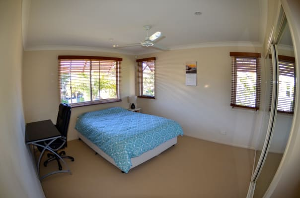 $180, Share-house, 3 bathrooms, Muir Street, Labrador QLD 4215
