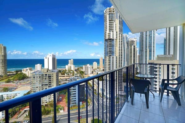 $160, Flatshare, 3 bathrooms, Riverview Parade, Surfers Paradise QLD 4217