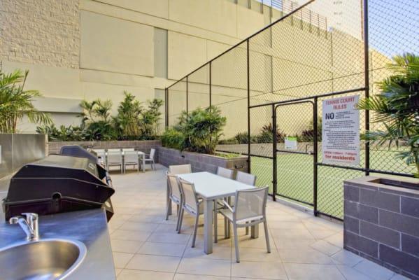 $250, Flatshare, 3 bathrooms, Macrossan Street, Brisbane City QLD 4000