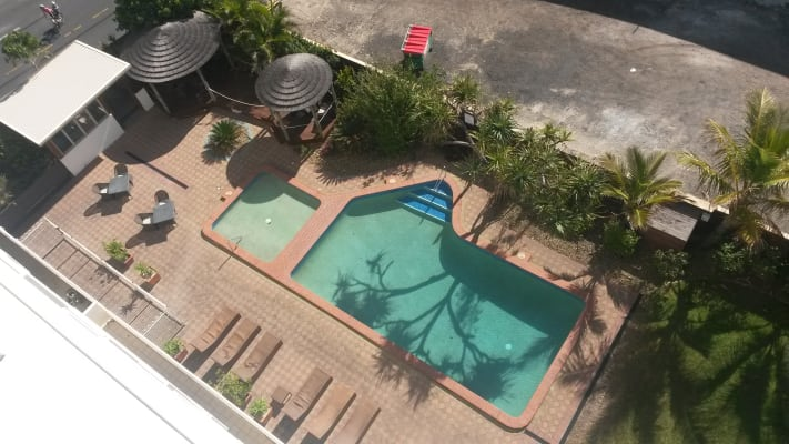 $250, Flatshare, 2 bathrooms, Main Beach Parade, Main Beach QLD 4217