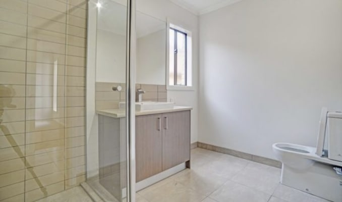 $150, Share-house, 3 bathrooms, Mantello Drive, Werribee VIC 3030