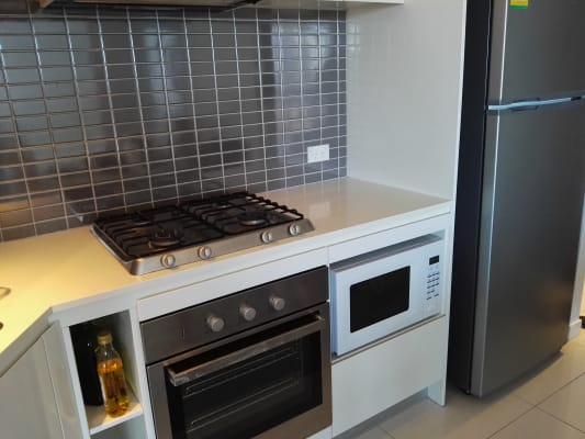 $160, Flatshare, 2 bathrooms, Lawson Street, Southport QLD 4215