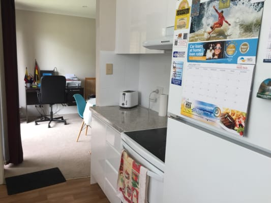 $250, Flatshare, 2 bathrooms, Clyde Road, Dee Why NSW 2099