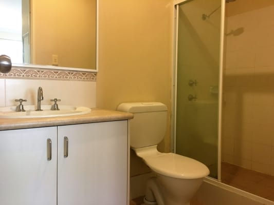 $165, Student-accommodation, 6 bathrooms, Earl Street, Bentley WA 6102