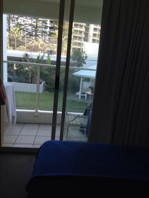 $140, Flatshare, 3 bathrooms, First Avenue, Broadbeach QLD 4218