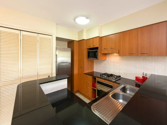 $300, Studio, 1 bathroom, Chasely Street, Auchenflower QLD 4066