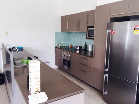 $190, Flatshare, 2 bathrooms, Executive Drive, Burleigh Waters QLD 4220