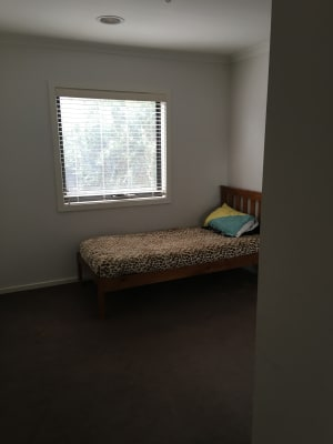 $225, Homestay, 3 bathrooms, Aura Way, Craigieburn VIC 3064
