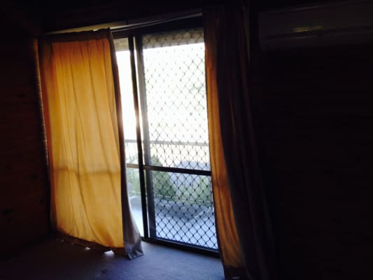 $165, Share-house, 4 bathrooms, Reuben Street, Holland Park QLD 4121