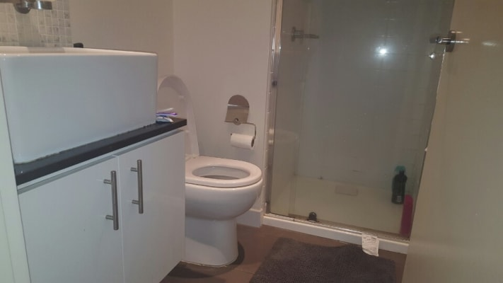 $165, Flatshare, 2 bathrooms, Exploration Lane, Melbourne VIC 3000