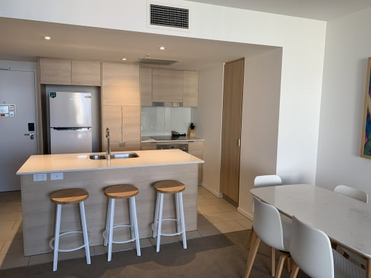 $330, Flatshare, 2 bathrooms, Gold Coast Highway, Surfers Paradise QLD 4217