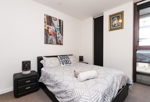 $350, Homestay, 2 bathrooms, Grattan Street, South Yarra VIC 3141