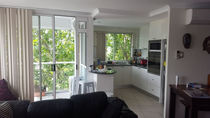 $400, Flatshare, 2 bathrooms, Campbell Street, Surry Hills NSW 2010