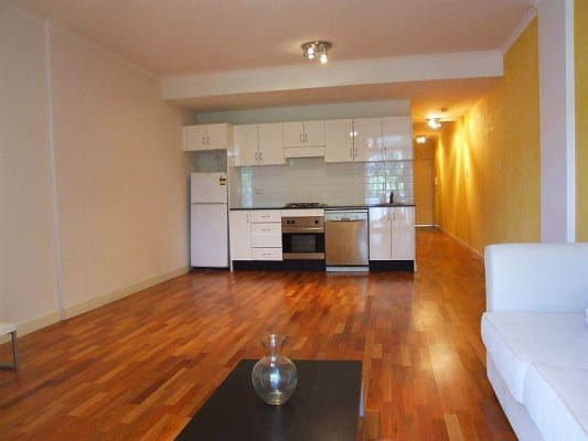 $220, Flatshare, 2 bathrooms, Regent Street, Chippendale NSW 2008