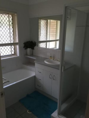 $180, Share-house, 3 bathrooms, Kununurra Crescent, Shailer Park QLD 4128