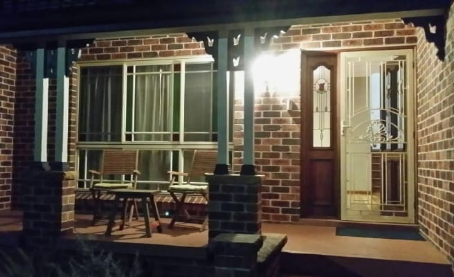 $280, Studio, 1 bathroom, Charles Place, Mount Annan NSW 2567